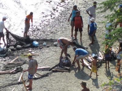 Fischer an Nebenstrand von Playa Grande - Taganga