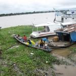 Boot im Hafen in Tabatinga Brasilien am Amazonas