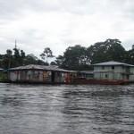 Szene auf dem Amazonas bei Tabatinga Brasilien