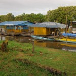 Morgendliche Szene am Amazonas in Leticia Kolumbien
